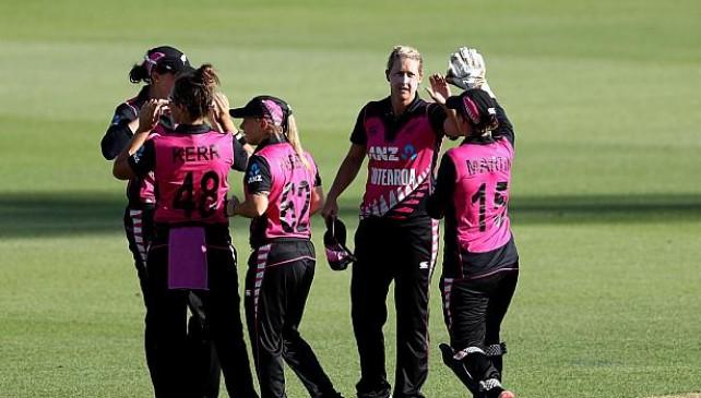 महिला क्रिकेट:न्यूजीलैंड ने भारत को 2 रन से हराया, सीरीज में 3-0 से क्लीन स्वीप