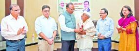 किसानों तक पहुंचाएं पीएम किसान सम्मान निधि योजना - पालकमंत्री बावनकुले