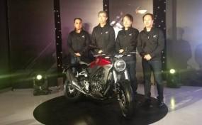 भारत में लॉन्च हुई Honda की रेट्रो-मॉडर्न स्पोर्ट बाइक CB300R, जानें फीचर्स