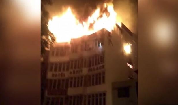 दिल्ली : होटल में आग से 17 की मौत, बिना परमिशन चलाया जा रहा था रूफ टॉप रेस्टोरेंट, दो अरेस्ट
