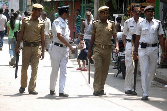 जानें क्यों कोलकाता की पुलिस पहनती है सफेद वर्दी