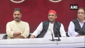 नाराज हरदोई सांसद ने BJP हेडक्वार्टर के चौकीदार को सौंपा इस्तीफा, सपा में शामिल