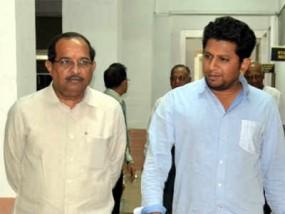 BJP कार्यकर्ताओं ने सुजय विखे पाटिल का किया विरोध, फडणवीस ने बीच में छोड़ी मीटिंग