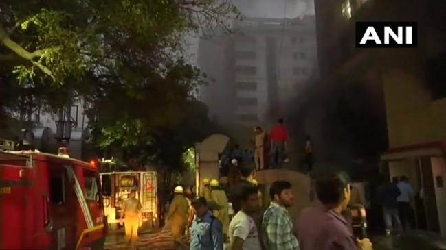 दिल्ली के AIIMS में लगी आग, किसी के हताहत होने की खबर नहीं