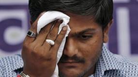 हूटिंग का शिकार हुए हार्दिक, जडेजा की पत्नी ने भी लगाए मोदी मोदी के नारे