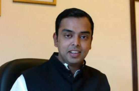 मिलिंद देवड़ा मुंबई कांग्रेस कमेटी के प्रमुख नियुक्त, निरुपम को किया रिप्लेस