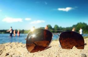 इस गर्मी चुनें ऐसे चश्में, जो धूप से बचाने के साथ चेहरे को भी दे लुक