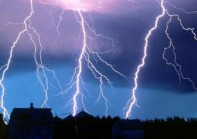 बारिश और तूफान से अमरावती में महिला सहित 2 की मौत, 4 राज्यों में 50 से ज्यादा की गई जान