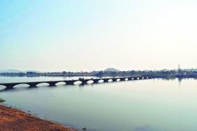 वैनगंगा में मिल रहा नागनदी का गंदा पानी