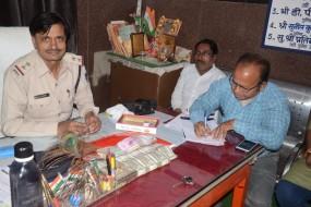 भोपाल के जूता व्यापारी से मिले 2.96 लाख, रेलवे स्टेशन पर एसएसटी की कार्रवाई