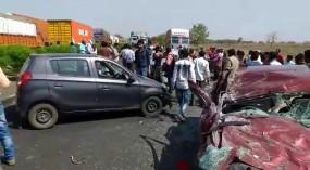 तीन कारों की भिड़ंत, 3 की दर्दनाक मौत, 6 घायल