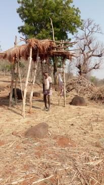 आदिवासी किसान ने की आत्महत्या, कर्ज से परेशान था किसान