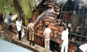 खाना बनाते समय घर में आग लगी, महिला जिंदा जली