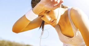 Summer Season: गर्मी में हीट स्ट्रोक से बचने के लिए करें ये 4 घरेलू उपाए