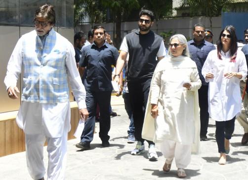 लाईन में लगे सितारे, तैमूर के साथ आईं करीना, बच्चन परिवार ने भी किया मतदान
