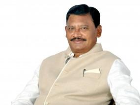 विधानसभा में विपक्ष के नेता विखे पाटील और चंद्रपुर जिला कांग्रेस अध्यक्ष सुभाष धोटे का इस्तीफा