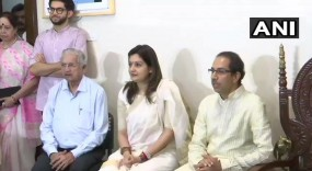 प्रियंका चतुर्वेदी ने छोड़ा कांग्रेस का 'हाथ' थामा शिवसेना का दामन