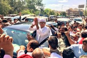 दिग्विजय सिंह ने भरा नामांकन, पचौरी और PC शर्मा बने प्रस्तावक
