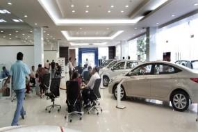 Discount Offer: इन कारों पर मिल रहा 2 लाख तक का डिस्काउंट