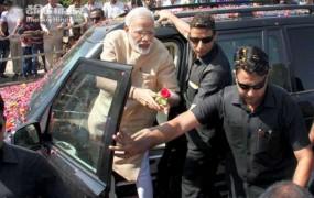 पीएम मोदी के काफिले की तलाशी लेने पर IAS अधिकारी सस्पेंड