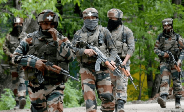 जम्मू-कश्मीर: सोपोर में सुरक्षाबलों आतंकियों के बीच मुठभेड़, एक आतंकी ढेर