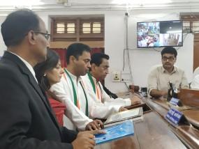 छिंदवाड़ा में कमलनाथ और नकुलनाथ ने एक साथ दाखिल किए नामांकन