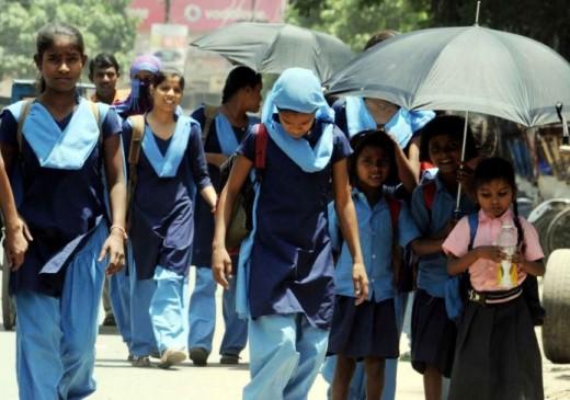 भीषण गर्मी के चलते स्कूली बच्चों की बिगड़ रही सेहत, अवकाश की मांग