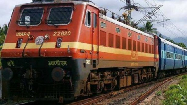 कॉकरोचऔर खटमल से परेशान रेल यात्रियों ने नागपुर स्टेशन पर किया हंगामा