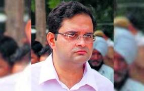 परिवारवाद के विरोध में बीरेंद्र सिंह ने की इस्तीफा की पेशकश, अब IAS बेटा लड़ेगा चुनाव