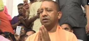EC के प्रतिबंध के बाद योगी का नया जुगाड़, हनुमान मंदिर-अयोध्या के बाद कल जाएंगे काशी