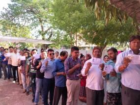 खजुराहो संसदीय क्षेत्र,खिरवाखुर्द और पटना में मतदान का बहिष्कार