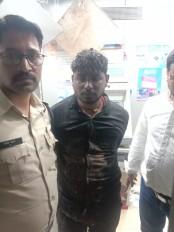 रात तीन बजे ATM तोड़ रहा था युवक, मैसेज मिलते ही दौड़ी पुलिस आरोपी को किया गिरफ्तार