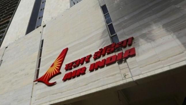 एयर इंडिया का सीनियर पायलट सस्पेंड, सहकर्मी ने लगाया था यौन उत्पीड़न का आरोप