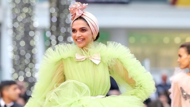 Cannes 2019: रणवीर से इंस्पायर दीपिका का क्रेजी लुक, लग रही थी 'परफेक्ट मिसेज रणवीर सिंह'