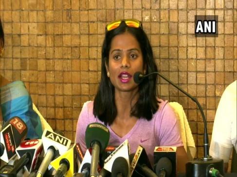 दुती का बहन पर ब्लैकमेलिंग का आरोप, कहा - इसी वजह से किया समलैंगिक होने का खुलासा