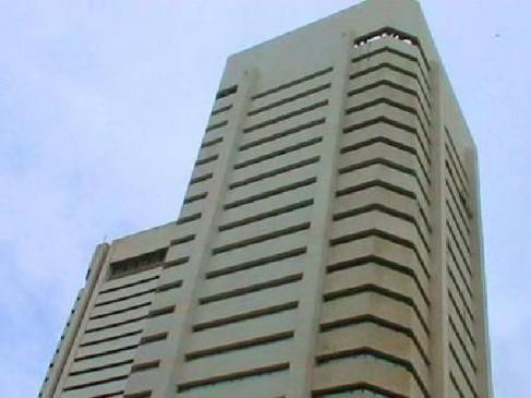 मुंबई : वर्ल्ड ट्रेड सेंटर की 30 वीं मंजिल छलांग लगा जीएसटी अधीक्षक ने कर ली खुदकुशी