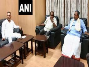 कर्नाटक सरकार में उथल-पुथल, कुमारस्वामी ने की गुंडु राव, सिद्धारमैया से मुलाकात