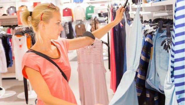 करती हैं लेटेस्ट फैशन को फॉलो, तो ट्राई करें इन ड्रेस डिजाइन्स को
