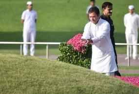 राहुल गांधी ने पंडित नेहरू को किया याद, कहा- इनके कारण लोकतंत्र जिंदा है