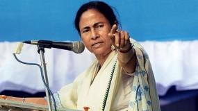 ममता का दावा - लोकतंत्र खतरे में, मोदी जीते तो नहीं होंगे कोई चुनाव