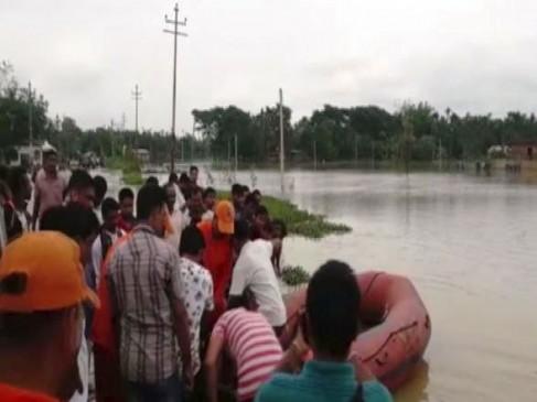 त्रिपुरा: भारी बारिश और बाढ़ से बेघर हुए सैकड़ों लोग, राहत कार्य में जुटी NDRF