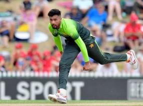 पाकिस्तान ने वर्ल्ड कप टीम में आमिर-रियाज को किया शामिल