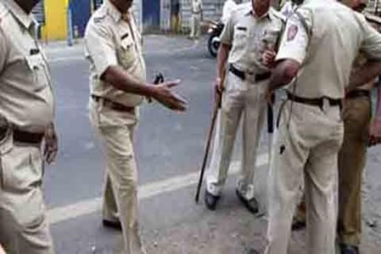 पुणे के पुलिसकर्मियों के खिलाफ हाईकोर्ट में दायर हुई याचिका