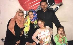 शाहिद अफरीदी ने लगाया अपनी बेटियों के खेलने पर बैन, बाहर खेलने की इजाजत नहीं