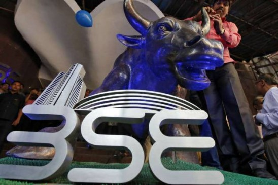 एग्जिट पोल्स के बाद शेयर बाजार में भारी बढ़त, सेंसेक्स ने 811 और निफ्टी ने 242.10 अंकों की छलांग लगाई