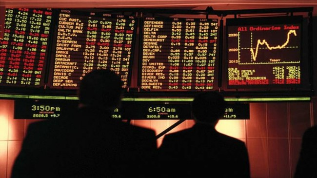पहले दिन शेयर बाजार गिरावट के साथ बंद, सेंसेक्स 362.92 और निफ्टी 114.00 अंक लुढ़का