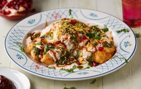 Spicy Dish Recipe: घर पर बनाएं कद्दू के टेस्टी दही भल्ले