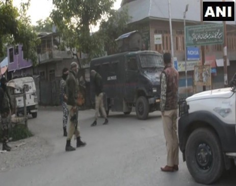 जम्मू-कश्मीर: कुलगाम के गोपालपोरा में मुठभेड़, दो आतंकी ढेर