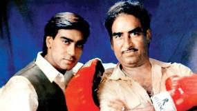 वीरु देवगन के निधन के बाद एक पुराना वीडियो हो रहा वायरल, अजय को सिखा रहे एक्शन