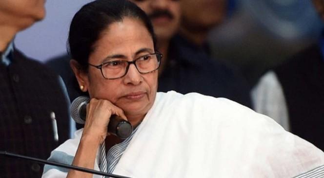 TMC कार्यकर्ताओं के समर्थन में ममता, नैहाटी नगरपालिका के बाहर देंगी धरना